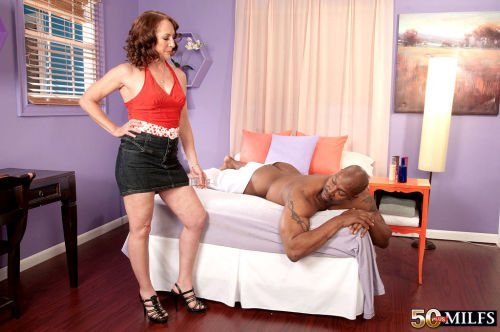 Carolyn Khols enjoys creamy interracial mature sex with younger man in heats