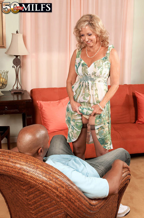Horny aged lady Connie McCoy welcomes a BBC deep inside her filthy asshole