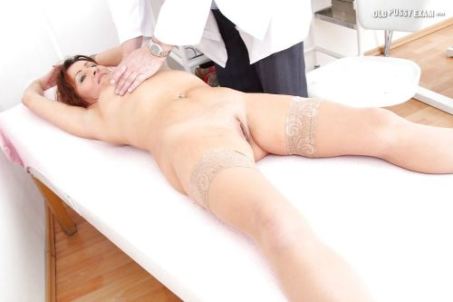 Fuckable mature lady gets examed by a naughty gyno doctor
