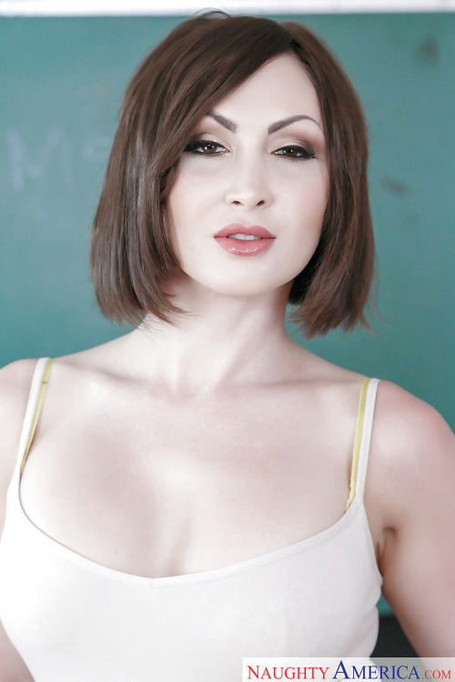 Older schoolteacher Yasmin Scott stripping for nude modeling gig in classroom